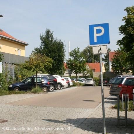 Pohler Parkplatz (Zufahrt Kino)
