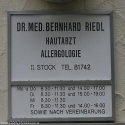 Dr. med. Bernhard Riedl